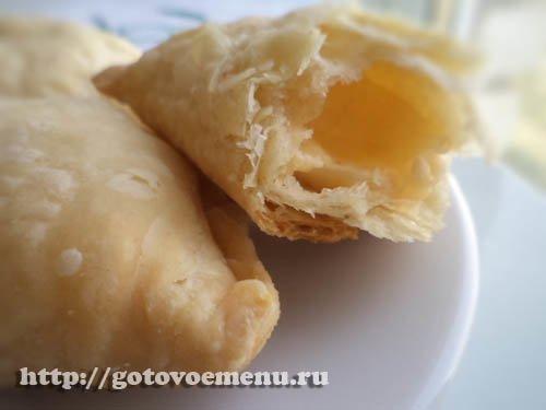 слоеные пирожки с сыром фото